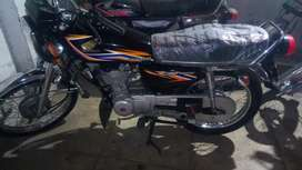 Honda 125 brand new condition just 7500 Km used
