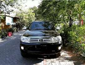 Toyota Fortuner G Diesel matic/At tahun 2010 warna hitam