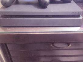 PLAYSTATION 4 or ps4  500 gb