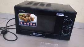 Electrolux grill microwave 2 yrs old but unused