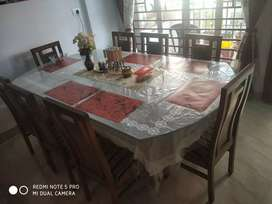 8-sitter dining table
