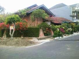 Rumah Cantik Di Flamboyan Malang
