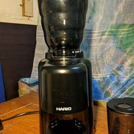 Hario V60 Electric Coffee Grinder. BONUS HARIO SERVER SET 02 &SCALE