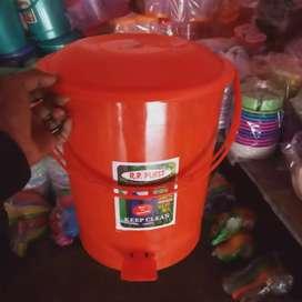 Plastic kitchen item type dustbin
