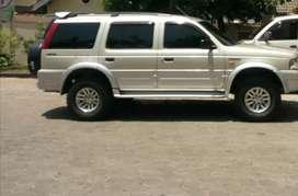 Dijual Ford Everest 2004 diesel