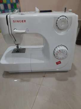 Singer fully automatic sewing machine model fashion maker 8280