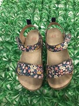 Sendal H&M flower girl size 27