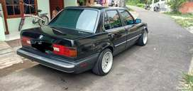 BMW E30 318i tahun 89