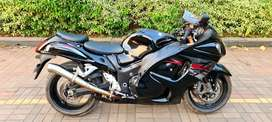 Black falcon Suzuki Hayabusa 2013 Genuine 5400 km Done single owner.