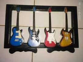 Replika gitar listrik 4 pcs