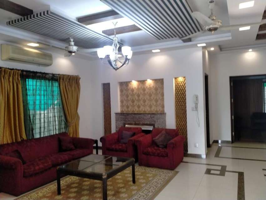 DHA Lahore 10Marla / Kanal House Available for Rent 0