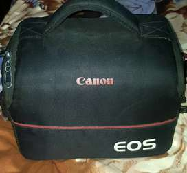 Canon 4000D DSLR with extra big lens 18/200