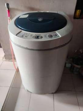 Sharp Washing Machine-7Kg Top load(6 yr old) Fixed price