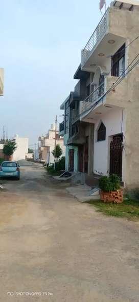 Plot hi plot noida extn me 400 family at colony