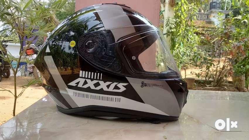 Rs 4300,axxis draken helmet 0