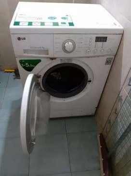 LG fully automatic 5.5 Kg washing machine