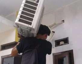 Pasang  ac maintenance ac isi freon