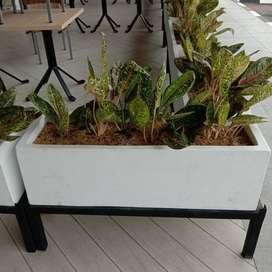 Pot Taman Elegan Kotak Panjang Minimalis Standing