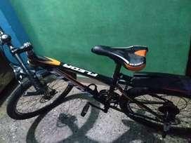 ZERO DAMAGED BLACK FLEDA 21 GEAR BICYCLE