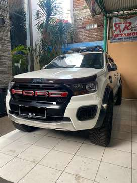 Ford Ranger XLT upgrade T8 4x4 MT 2012 Double Cabin. Bukan Hilux