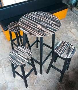 Set meja bar dan kursi