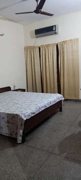 Owner free 3bhk/2bhk for working girls/boys/family