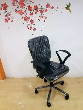 New revolving office chair in direct factory price.