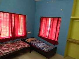 A/C Room for rent near vyttila hub,  5000 per person only