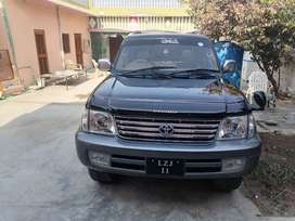 Vehicle name is Toyota Prado . Model 2002 and register 2004