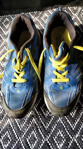 Sports shoes (size 10)
