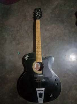 TRONAD EXPORT QUALITY guitar.  Only 6 month ago
