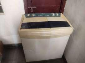 Whilpool 7.2 kg semi automatic washing machine.