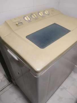 LG SEMI AUTOMATIC WASHING MACHINE(7kg)