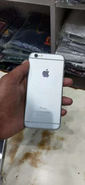4G I phone 6 in 16gb with charger and