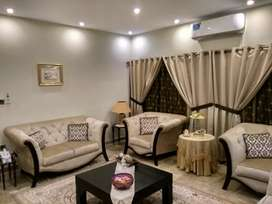 8 bed DD gulistane johar block 15 furnished 200 fit khodai ho k banay