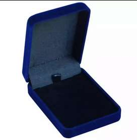 Kotak untuk menyimpan perhiasan