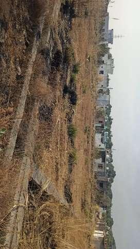 15 marlas milikiyat land corner plot for sale..  5 lacs/marla