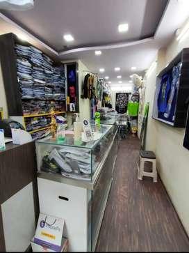 Prime location shop 8000 rent