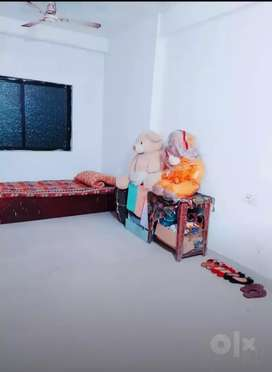 Need girl roommate  for 2 bhk flat