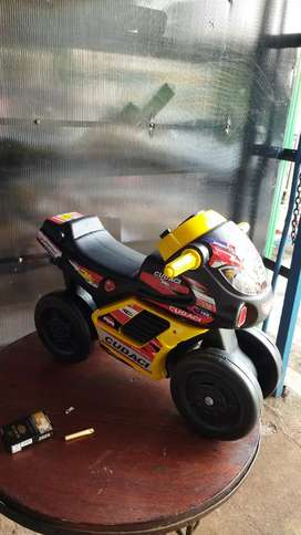 Mainan anak mobil mobilan dan motor motoran
