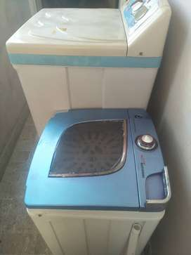 Washing machine and spiner for sale just like new