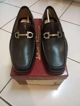 Sepatu salvatore feragamo size 7 new