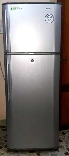 SAMSUNG Double Door Refrigerator; 315 L