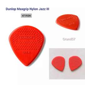 pick gitar dunlop max grip jazz III nylon red maxgrip jazz 3 4271R3N