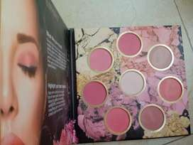 ELLEN TRACY BLUSH PALLETE