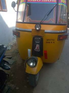 Bajaj diesel auto full condition urgent sale I am going to vizag