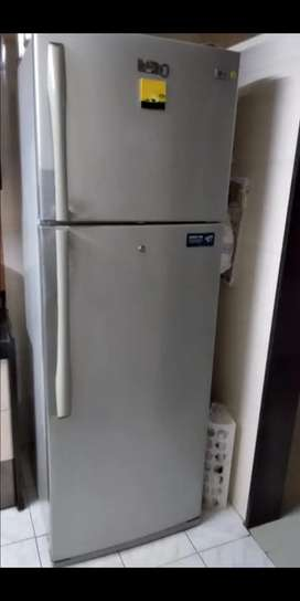 390 litres super frost LG fridge for sale