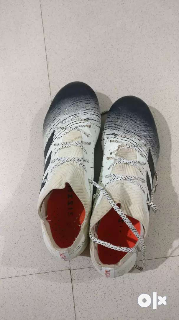 Nemeziz 18.1 initiator pack football shoes 0