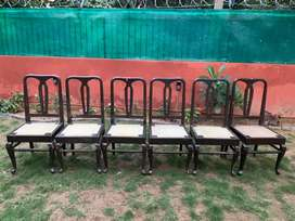 Set of 6 wodden chairs on sale in good condition