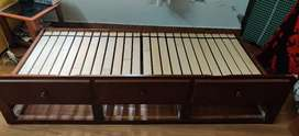 Teens bed trundle
